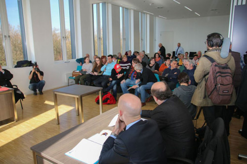 Im Verhandlungssaal, Foto: Peter Köster